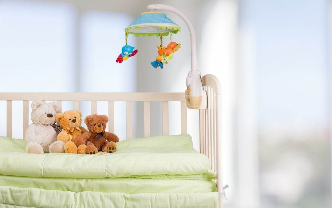 Why use plastic mattress protectors when you can use waterproof ultrasoft bedsheets for babies?